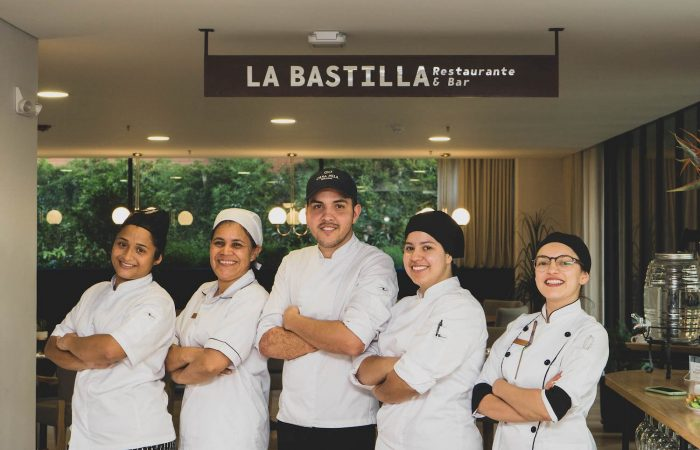 CasaNua Comida Restaurante Staff
